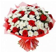 11 adet kırmızı gül ve 1 demet krizantem  çiçek yolla
