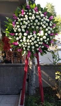 Kocaeli hediye sevgilime hediye çiçek  Cenaze Çelengi  Kocaeli uluslararası çiçek gönderme