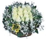 Kocaeli anneler günü çiçek yolla  Beyaz harika bir gül sepeti