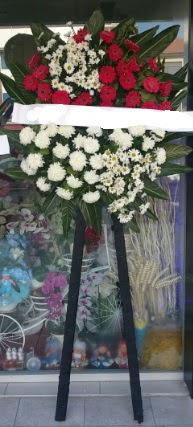 Cenaze çiçeği cenaze çiçek modelleri  Kocaeli uluslararası çiçek gönderme