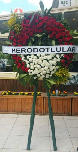 Cenaze çelengi cenazeye çiçek modeli  Kocaeli internetten çiçek siparişi