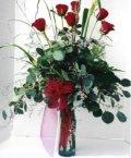 Kocaeli uluslararası çiçek gönderme  7 adet gül özel bir tanzim