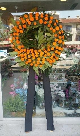 Cenaze çiçeği cenaze çelengi çiçek modeli  Kocaeli internetten çiçek satışı