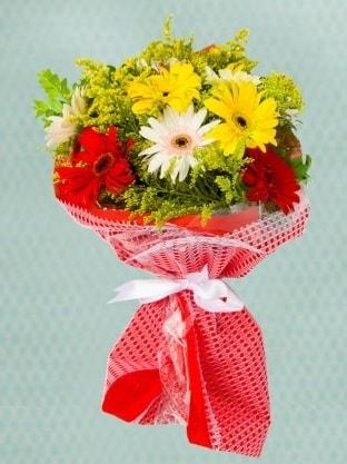 Karışık Gelbera Buketi  Kocaeli uluslararası çiçek gönderme