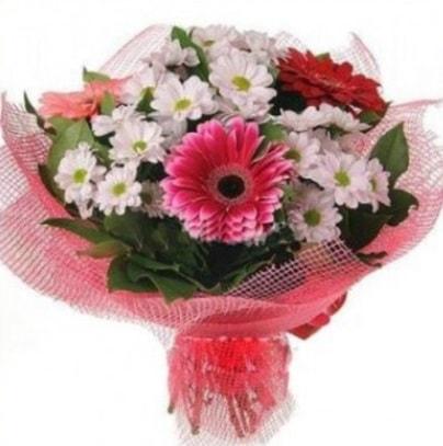 Gerbera ve kır çiçekleri buketi  Kocaeli hediye sevgilime hediye çiçek