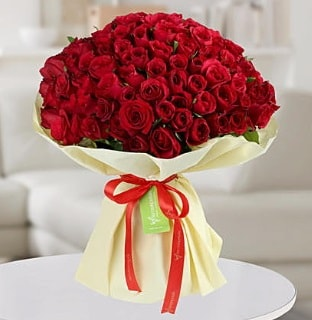 101 adet kırmızı gül buketi koca demet  Kocaeli hediye sevgilime hediye çiçek