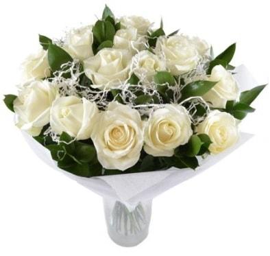 15 beyaz gül buketi sade aşk  Kocaeli internetten çiçek siparişi