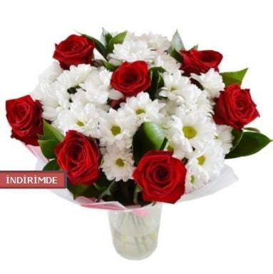 7 kırmızı gül ve 1 demet krizantem  Kocaeli çiçekçi mağazası
