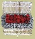 kaliteli taze ve ucuz çiçekler  Sandikta 11 adet güller - sevdiklerinize en ideal seçim